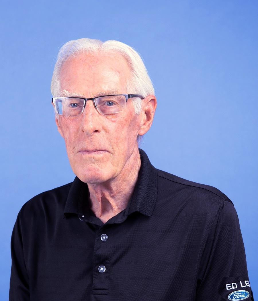 Larry  Nelles