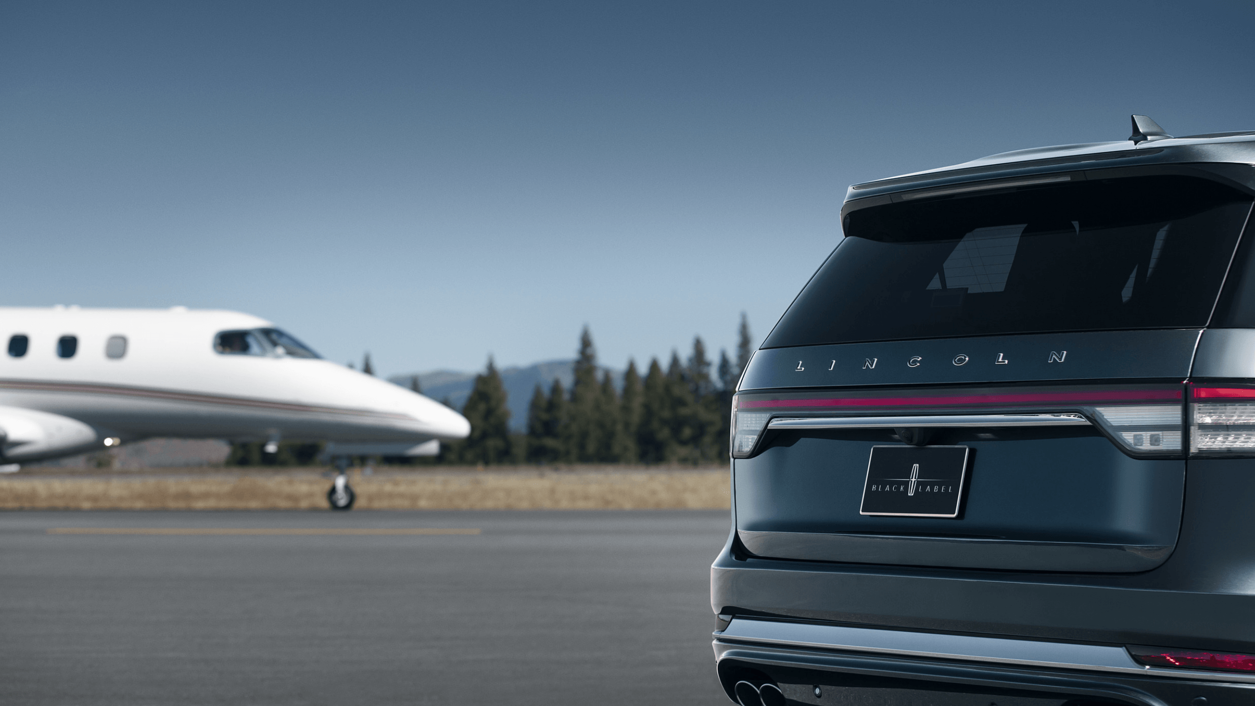Lincoln Aviator Rear